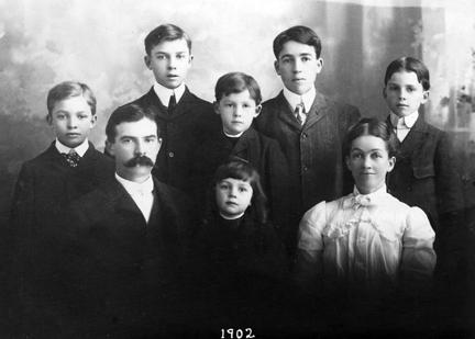 1902 - Eisenhower family photo. - Front Row left to right: David, Milton, Ida - Back Row Left to Right: Dwight, Edgar, Earl, Arthur, Roy