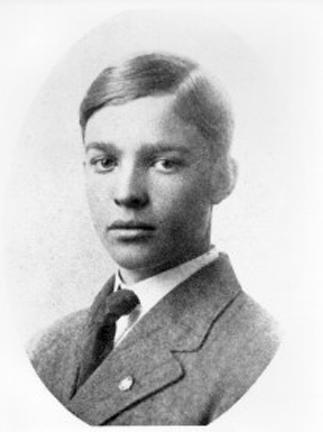 1909 - DDE's high school graduation photo