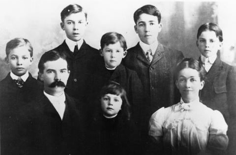 The David and Ida Eisenhower Family, 1902 [62-319]