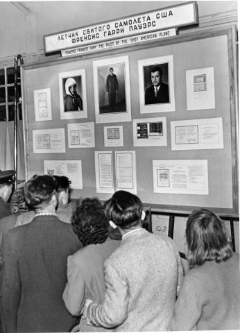 Soviets look at exhibit on U-2. [79-5-8]