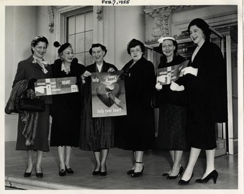 Mamie D. Eisenhower receives women volunteers for the Heart Fund. Right to Left : Mrs. Estes Kefauver, Mrs. Herbert Brownell, Mrs. Fred Vinson, Mamie Eisenhower, Mrs. St. Louis and unknown. July 7, 1955 [72-1219]