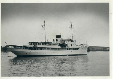 Presidential Yacht, USS Williamsburg, May 14, 1953 [72-276-3]