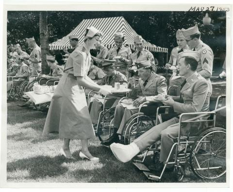 Garden Party given by Dwight and Mamie Eisenhower on the White House lawns. The party was held in honor of disabled veterans from Washington, DC-area hospitals. May 27, 1953 [72-310-16]